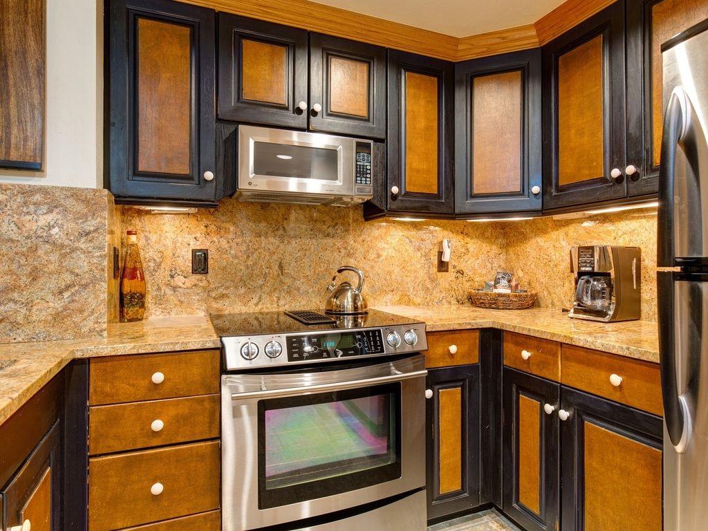 Stainless steel kitchen amenaties