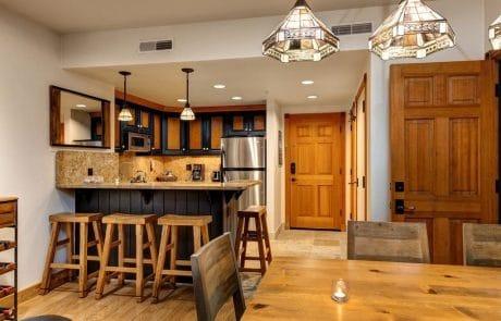Town Lift Condominium bar
