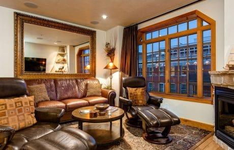 Town Lift Condominium living room